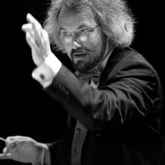 Oregon Symphony Conductor Carlos Kalmar